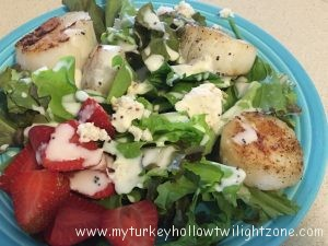Pan Seared Scallops with Fresh Lettuce Greens